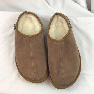 EMU women's sz9/Men's sz8 suede mule slip on shoes